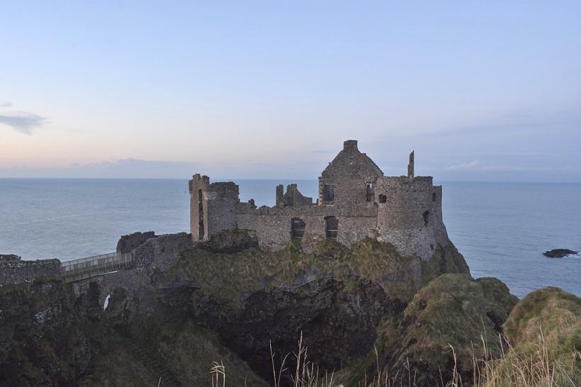 Dunluce kasteel in Noord-Ierland