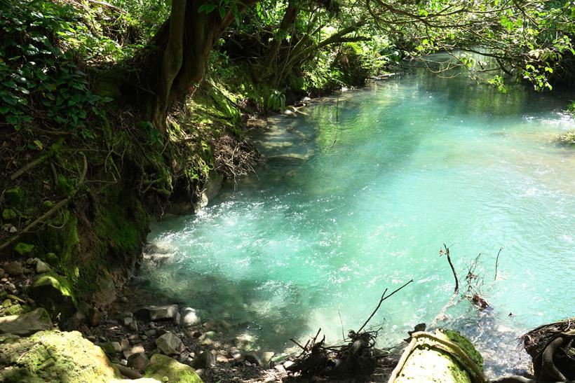 borbollones in rio celeste