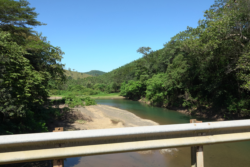 over de brug van samara naar santa teresa