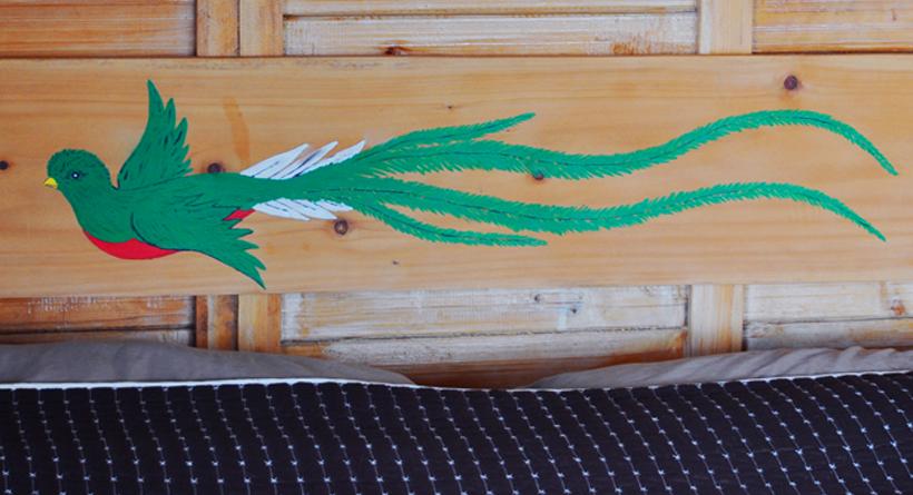 quetzal op bedframe