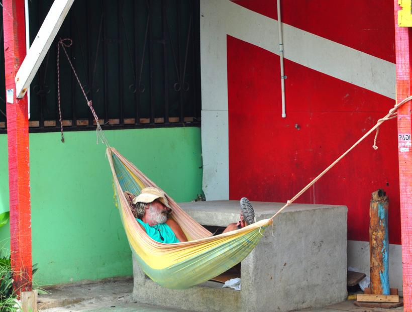 Siesta in Caraïbisch puerto viejo