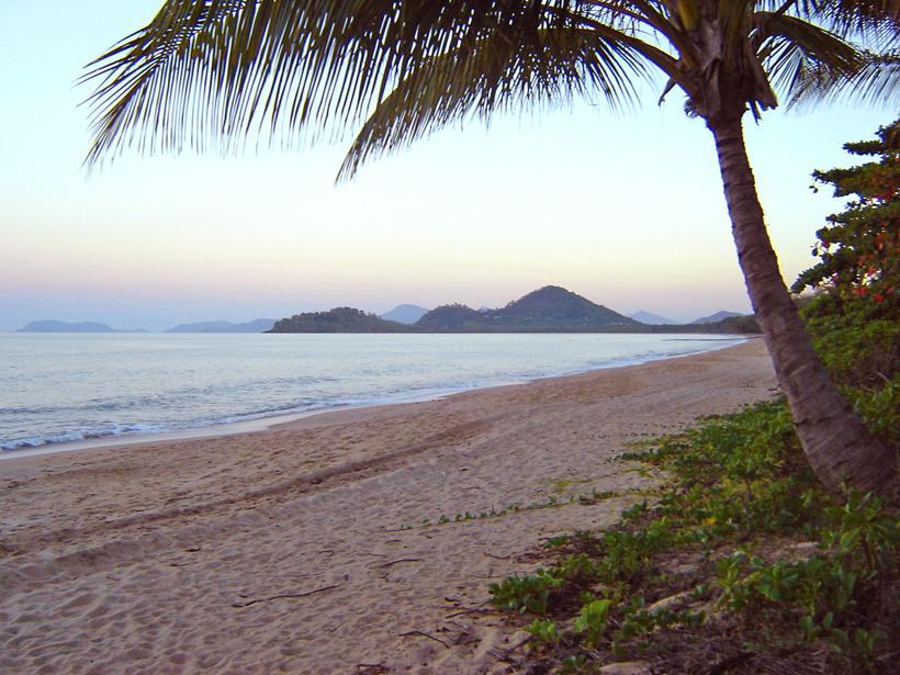 Clifton beach in tropisch Queensland