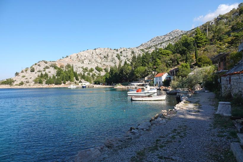 Lukovo baai aan de Adriatische kust