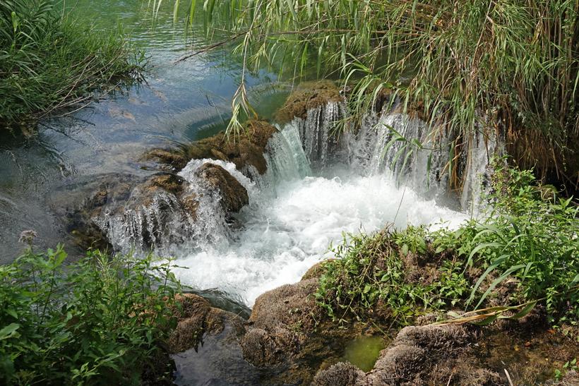 mini watervallen in krka