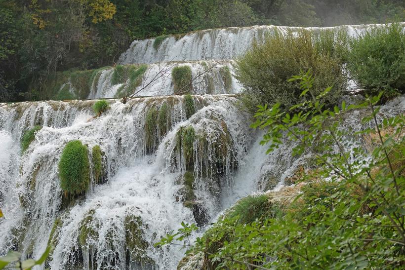 watervallen krka in niveaus