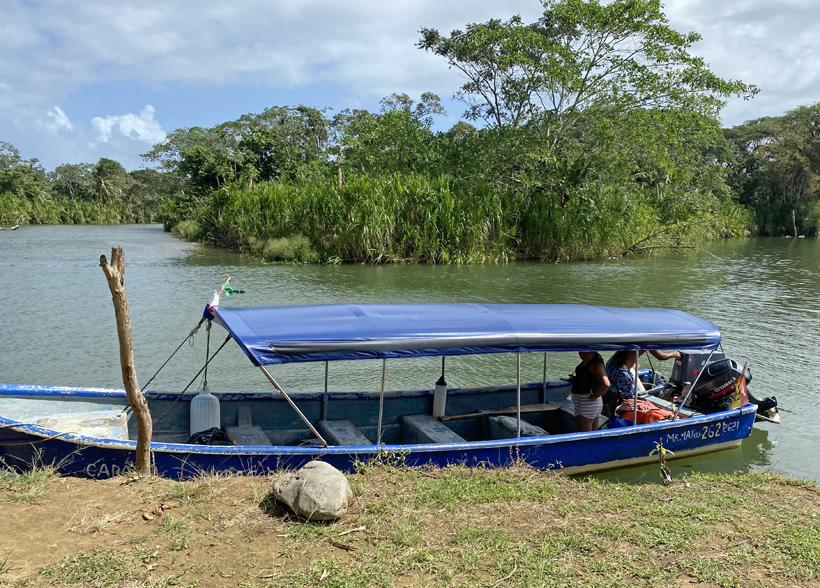 Vertrek met bootje in Puerto de Carti naar San Blas eilanden
