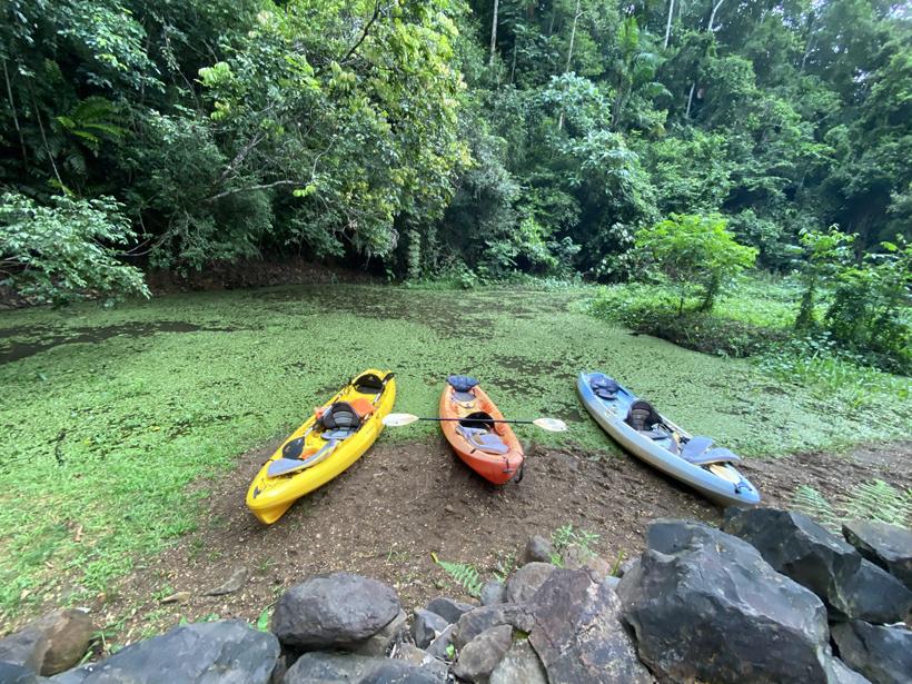 stop aan waterval tijdens sunset kajak Jungle Land