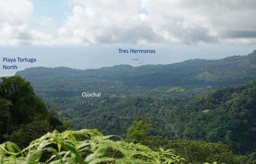 zicht op Ojochal vanuit heuvels