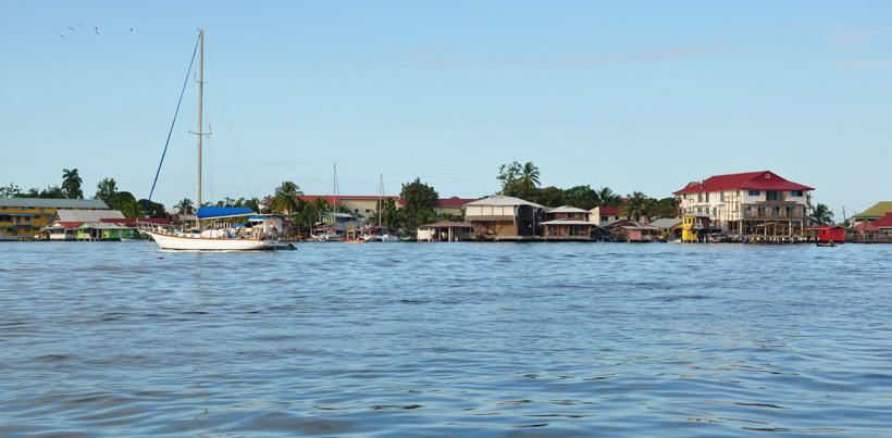 watertaxi van bocas town naar almirante