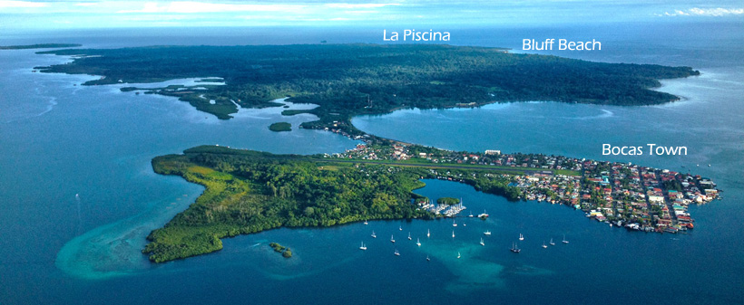luchtfoto isla colon en bluff beach