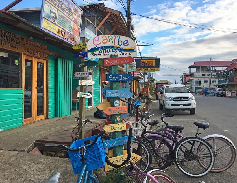 hoofdstraat bocas town