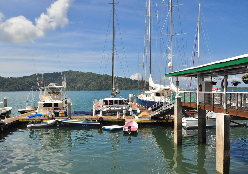 vissersbootjes in Golfito