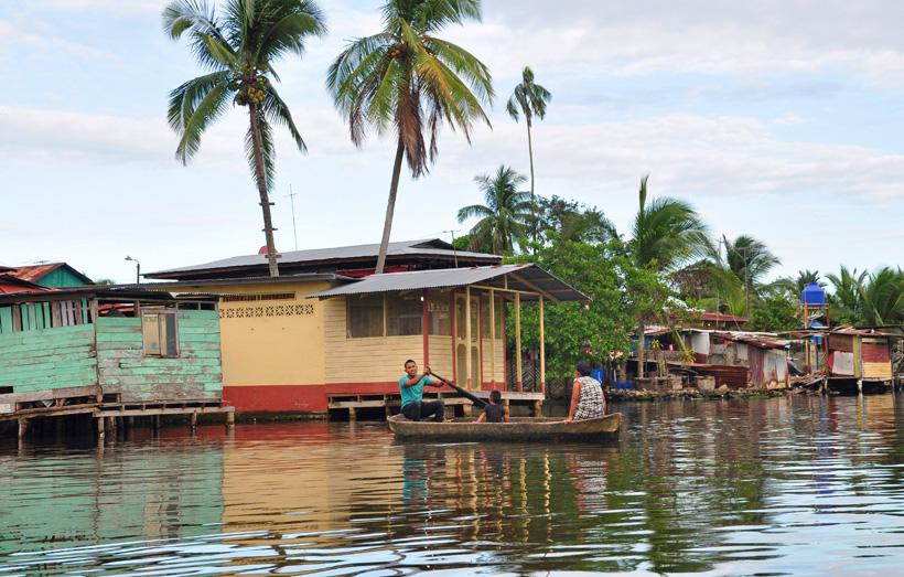 hutjes en kano almirante