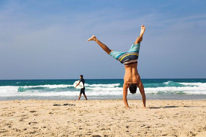 surf-en strandkleding in bagage costa rica