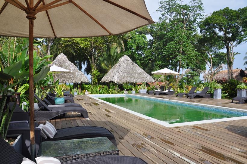 zwembad island plantation op bocas