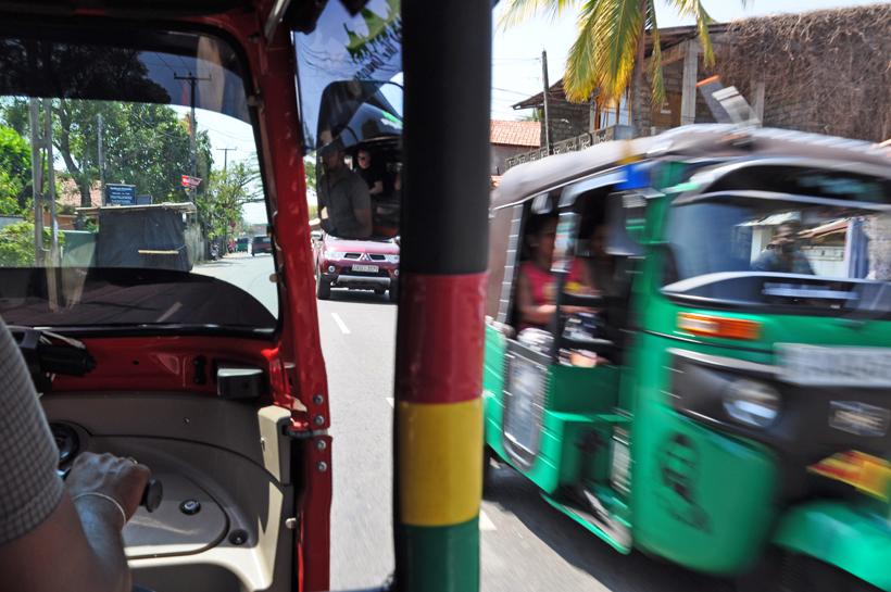 tuktuks in druk Negombo