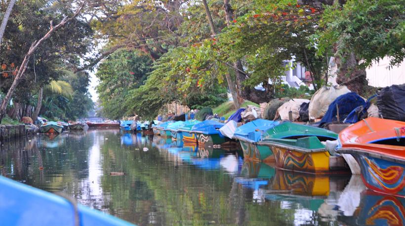 bootjes op Dutch Kanaal Negombo