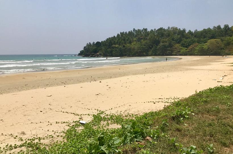 Mawella beach surf