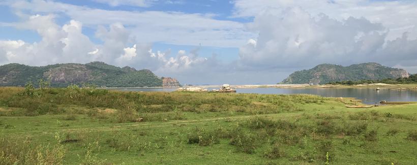 Maduru Oya Nationaal Park bij Maha Oya