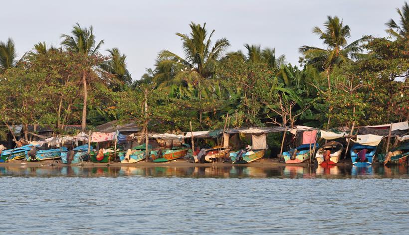 vissersbootjes lagoon Negombo