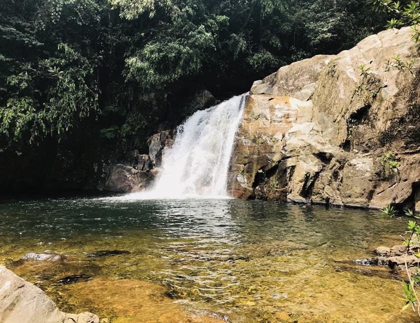 waterval sinharaja regenwoud