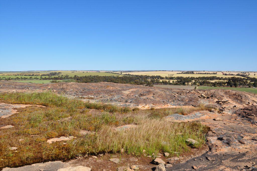 uitzicht corrigin rock trail in western australia