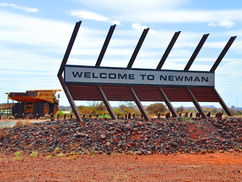newman mijndorp in golden outback