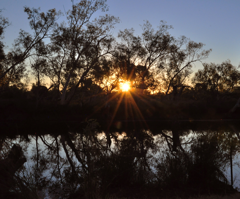 zonsondergang rivier emu creek