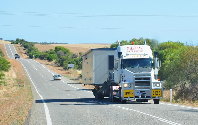 snelweg westkust van Australië van Geraldton naar Perth