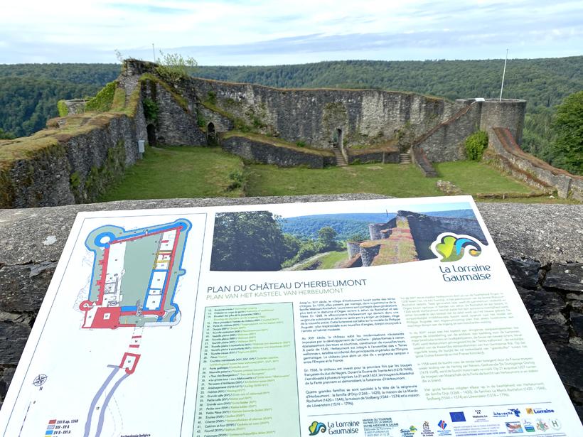 plan en binnenplein kasteel Herbeumont