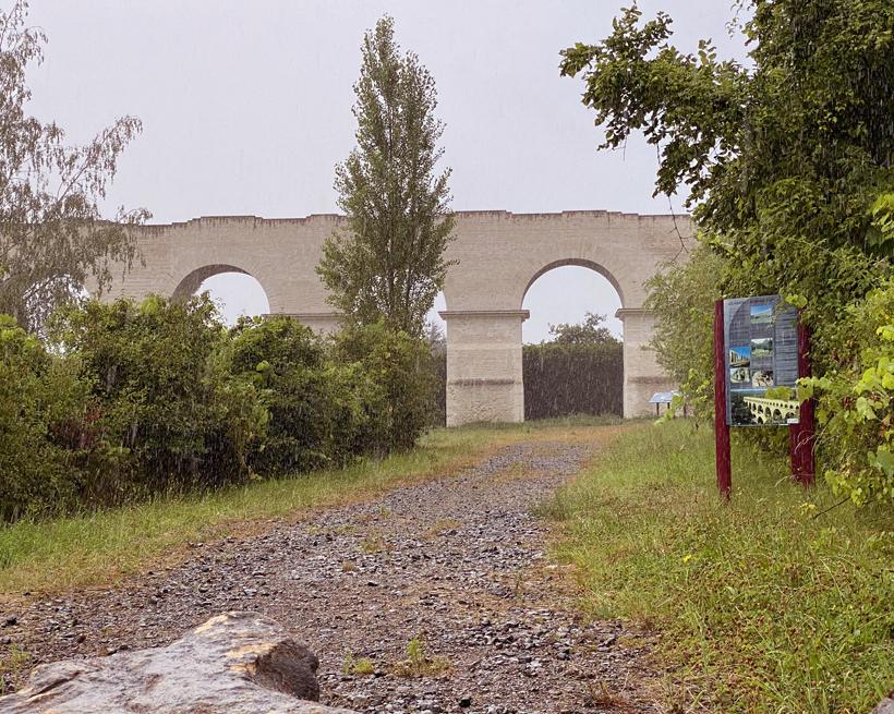 Ars-sur-moselle aquaduct