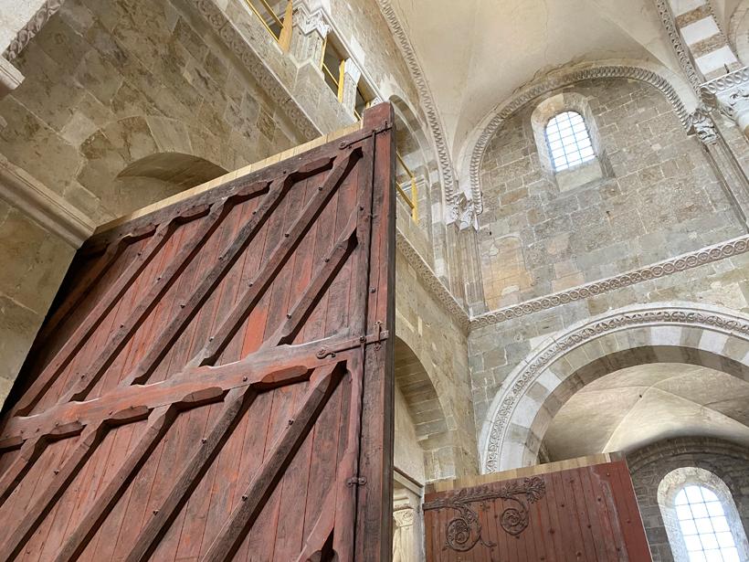 oude poorten basiliek Vezelay