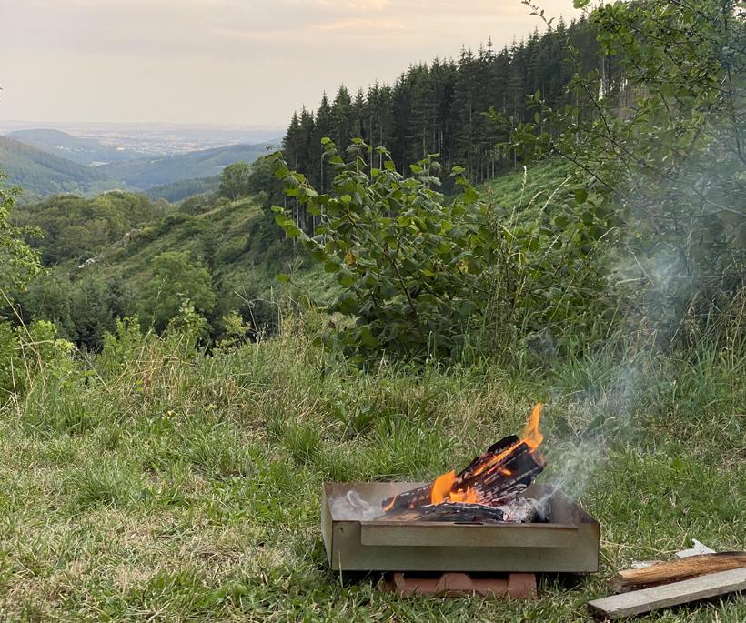 uitzicht les Clements in glux-en-glenne houtvuurtje