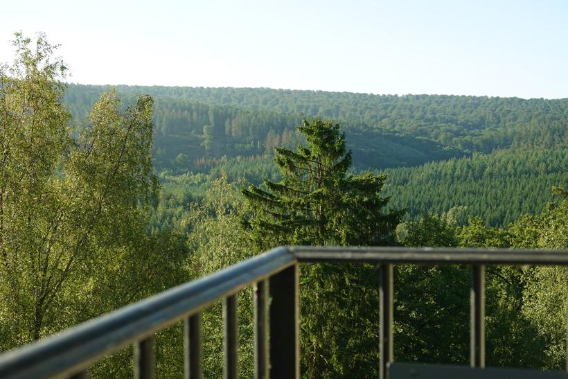 zicht balkon Nanfurnal Nassogne
