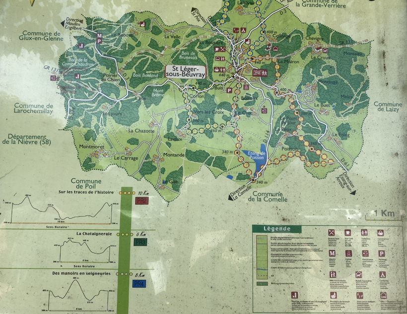 wandelroutes in Saint Leger-sous-beuvray