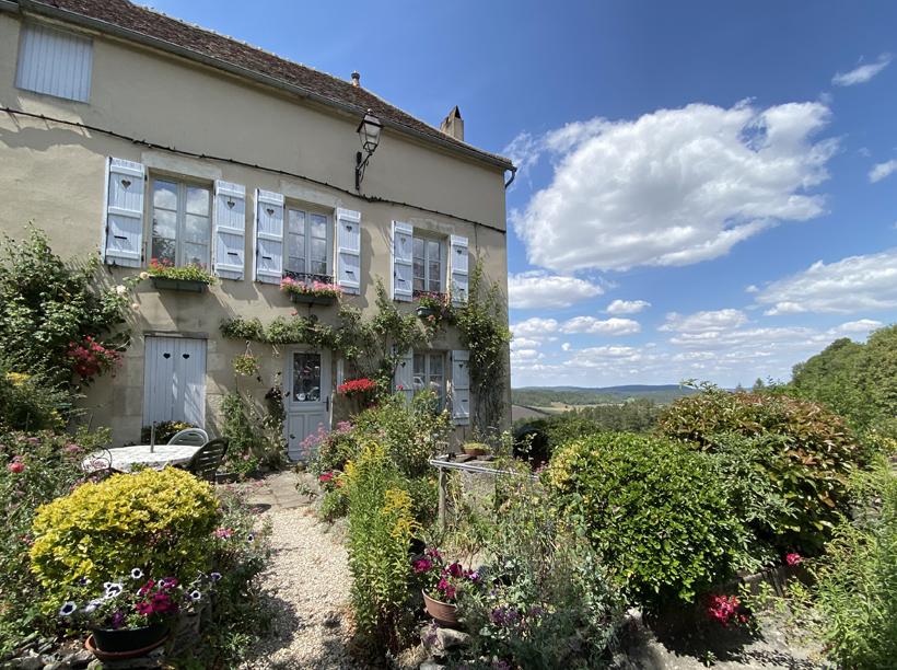 bloementuin in Vezelay in de Morvan