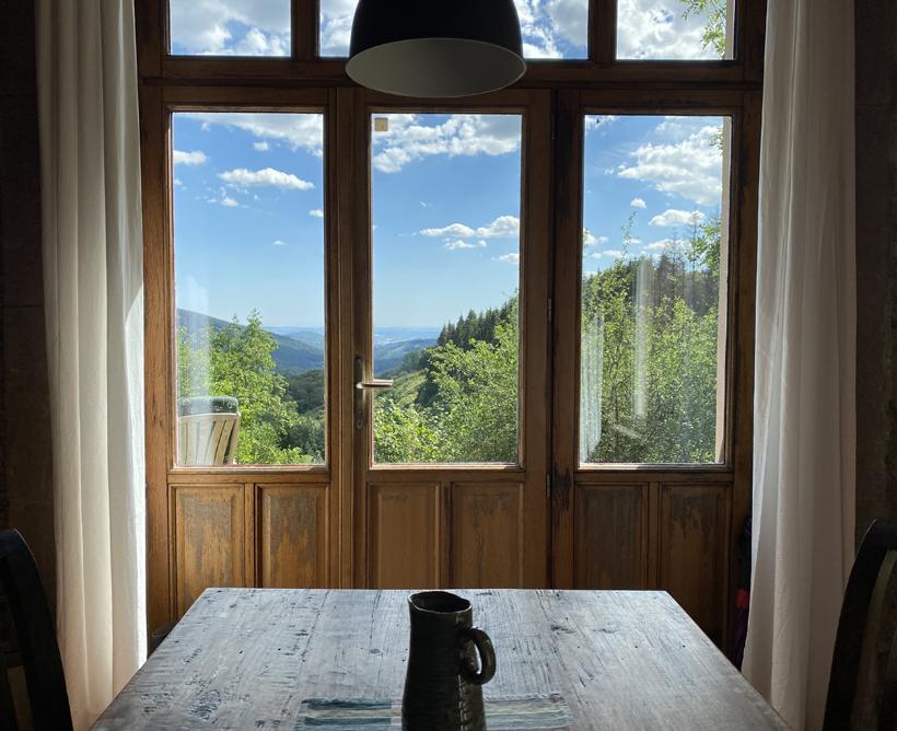 uitzicht natuurhuisje Les Cléments in Glux-en-Glenne