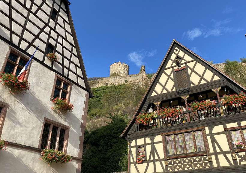 kasteel Kaysersberg vanop plein versterkte brug