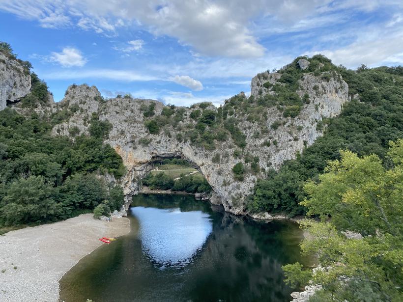 pont d'arc in gorge d'Ardèche