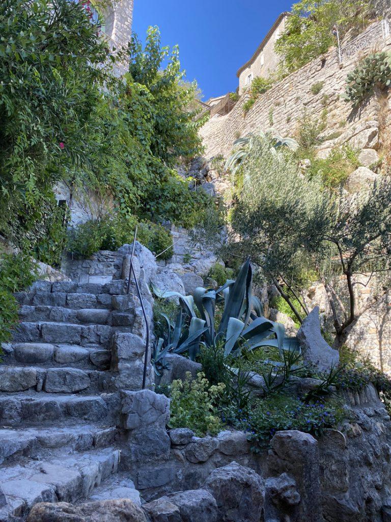 stenen trappen Labeaume