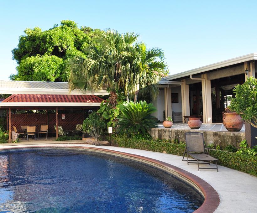 zwembad La Riviera Hotel vlakbij luchthaven San José