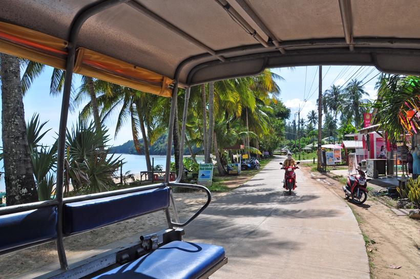 rit naar logement op koh yao noi in Zuid-Thailand