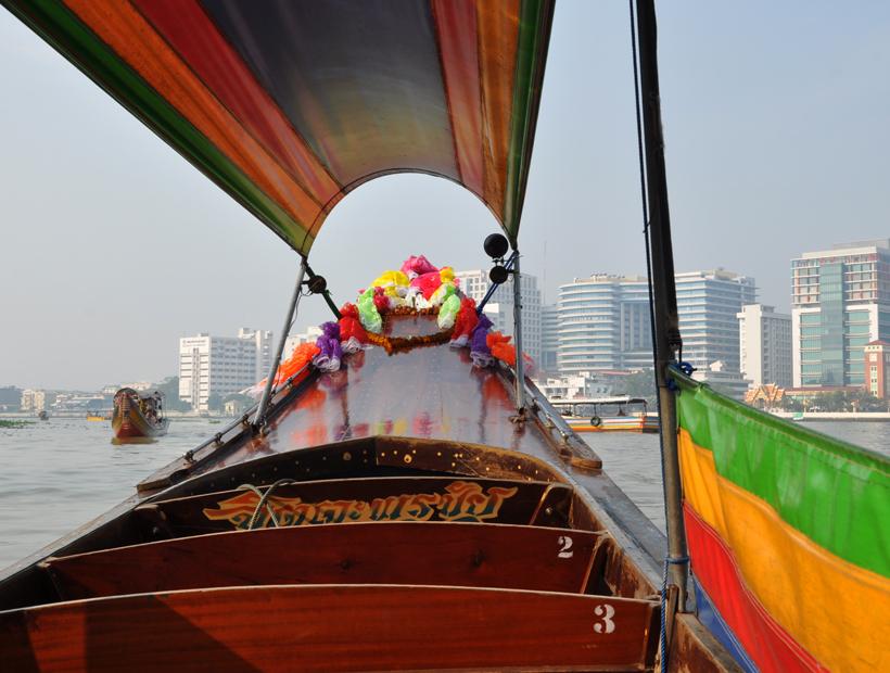 traditionele boot op kanaal Bangkok