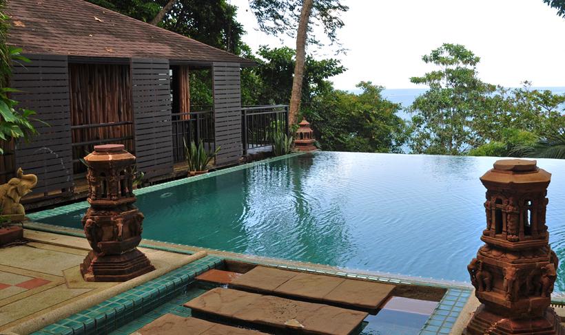 zwembad Baan Krating Khao Lak