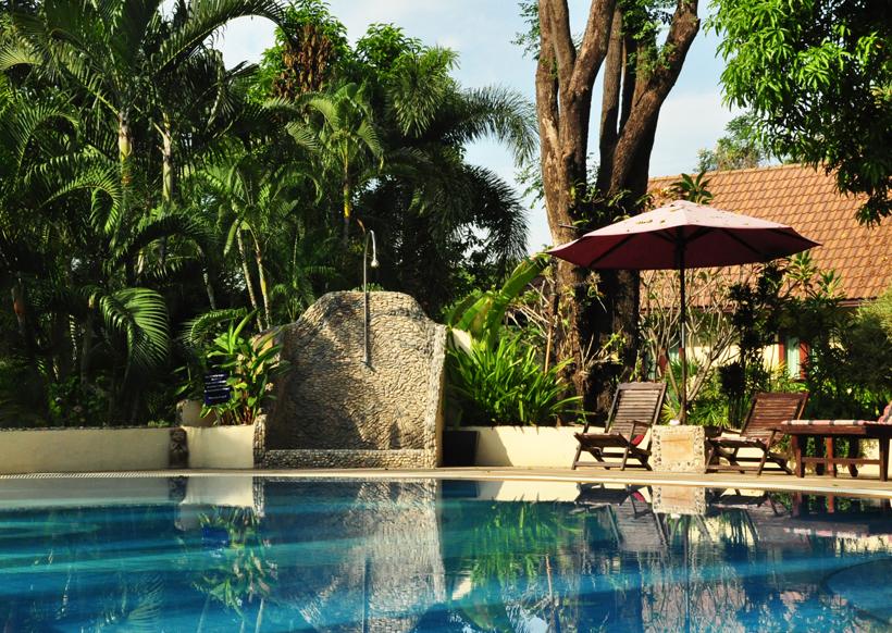 river kwai resort zwembad