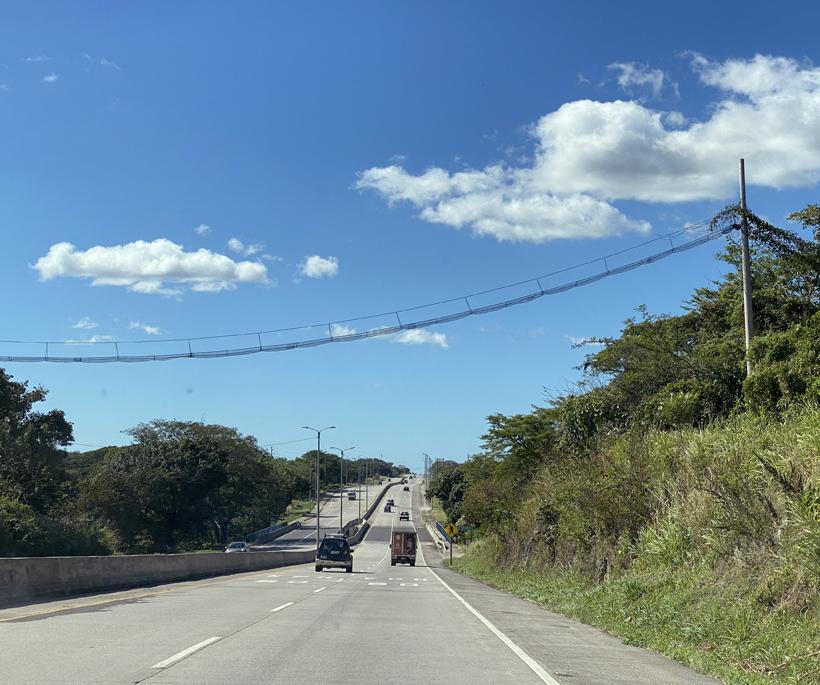 hoge apenbrug in Cañas