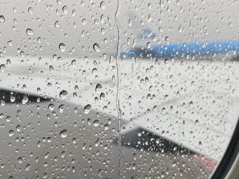 regen bij vertrek vlucht