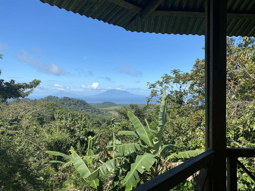 zicht op vulkanen in La Tierra Madre