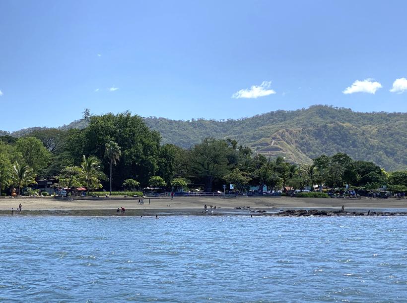 Playas del Coco vanop zee