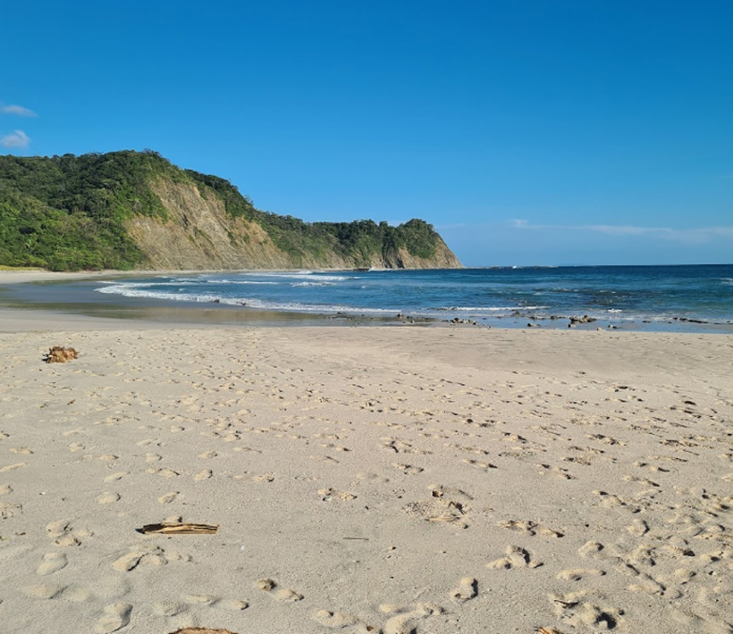 strand tussen nosara en samara